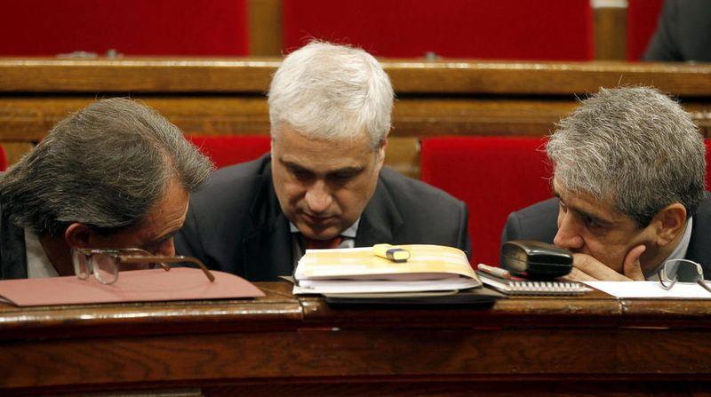 Artur-mas-germa-gordo-y-francesc-homs-en-una-sesion-de-control-al-ejecutivo-catalan-efe
